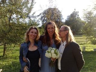 Ines und das Hochzeitspaar